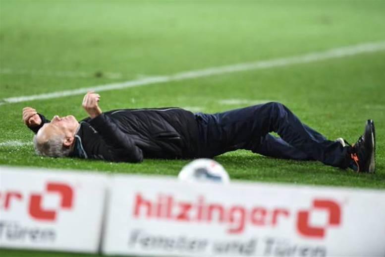 Watch! Player sent off after shoulder barging opposition manager in Bundesliga