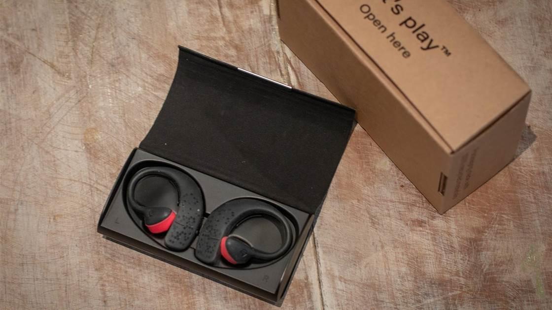 FIRST LOOK: Earshots Bluetooth Headphones