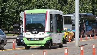Driverless buses can help end the suburbs' public transport woes