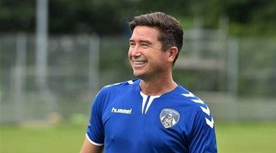 Socceroos legend wins Manager of the Week in UK as ex-A-League striker shines