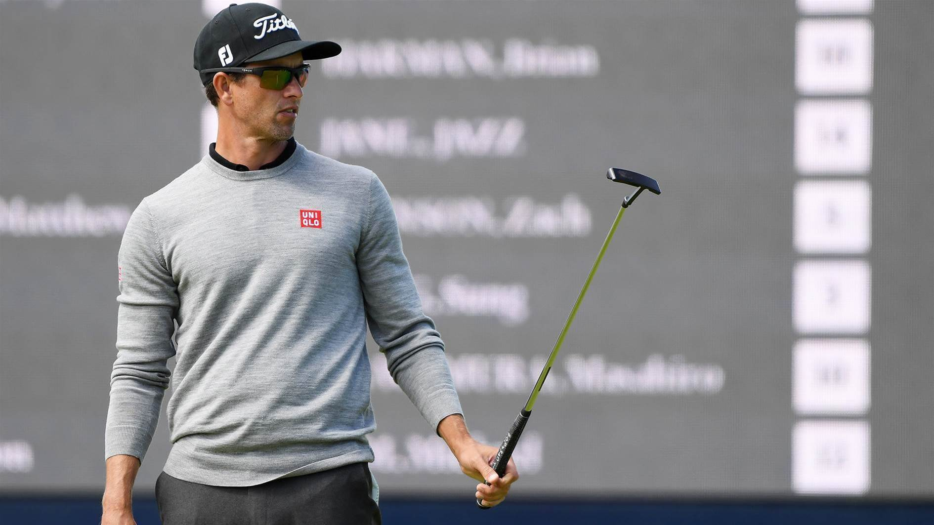 Scott abandons long putter in search of Open glory