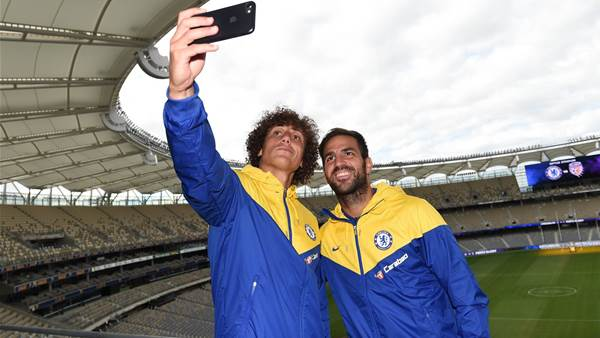 Fabregas urges Hazard to commit to Chelsea