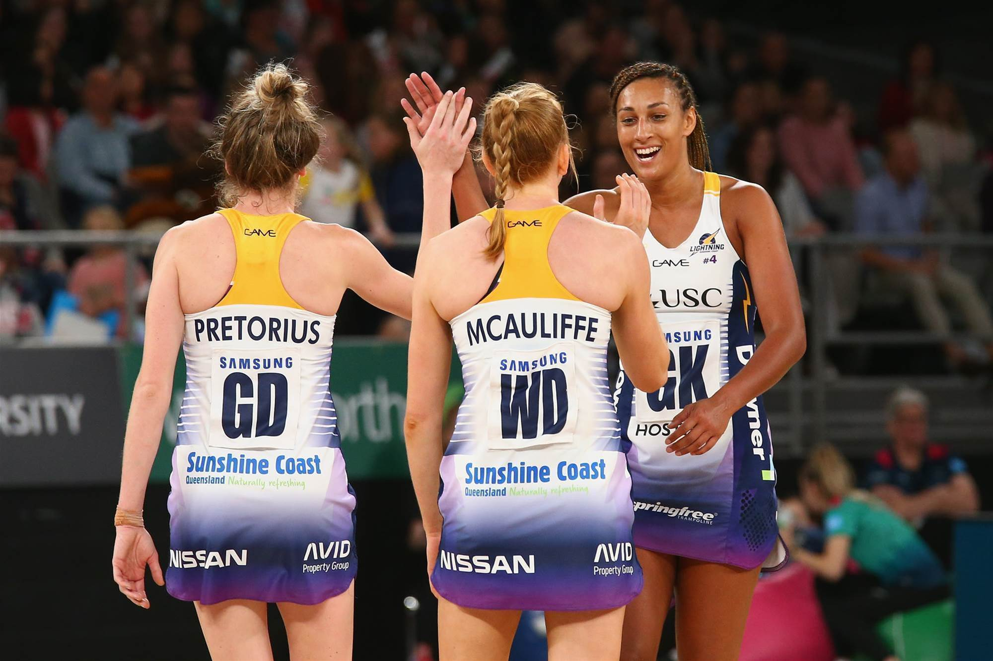 Super Netball finals decided as Lightning claim final place