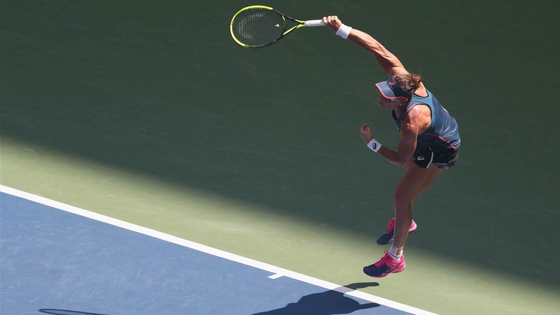 Stosur exits US Open in extreme heat