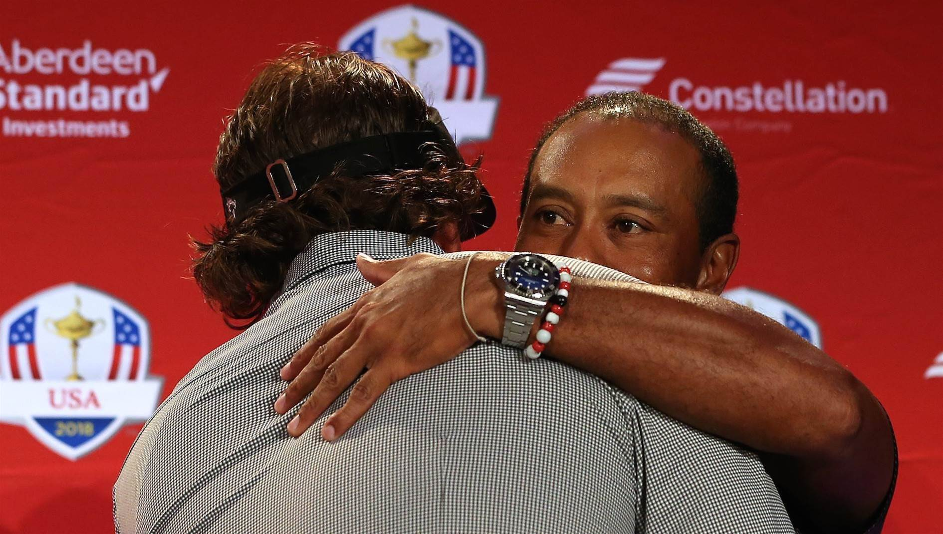 Woods & Mickelson named in US Ryder Cup team