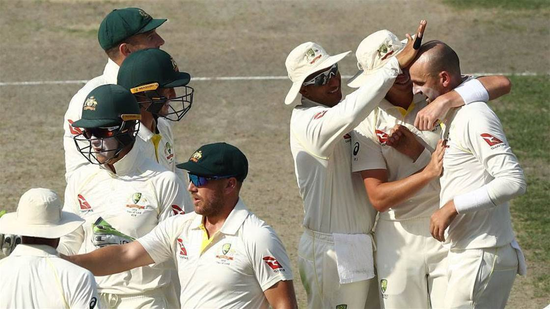 Pakistan v Australia: Tourists stage late fightback