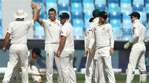 Pakistan v Australia: Sohail and Siddle star on day two