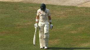 Pakistan v Australia: Asif tears through Aussie batting lineup