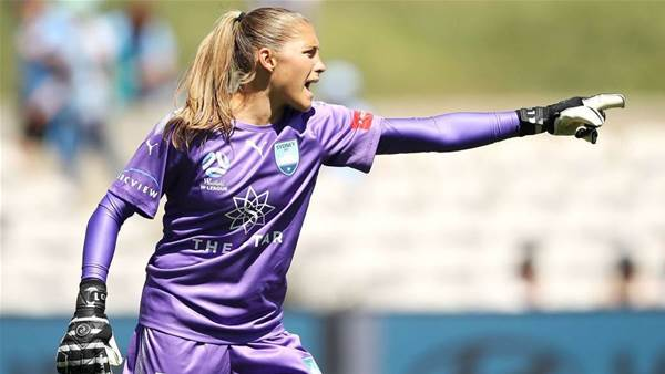 'I'm the conductor of an orchestra': The USA's best goalkeeper gunning for W-league title