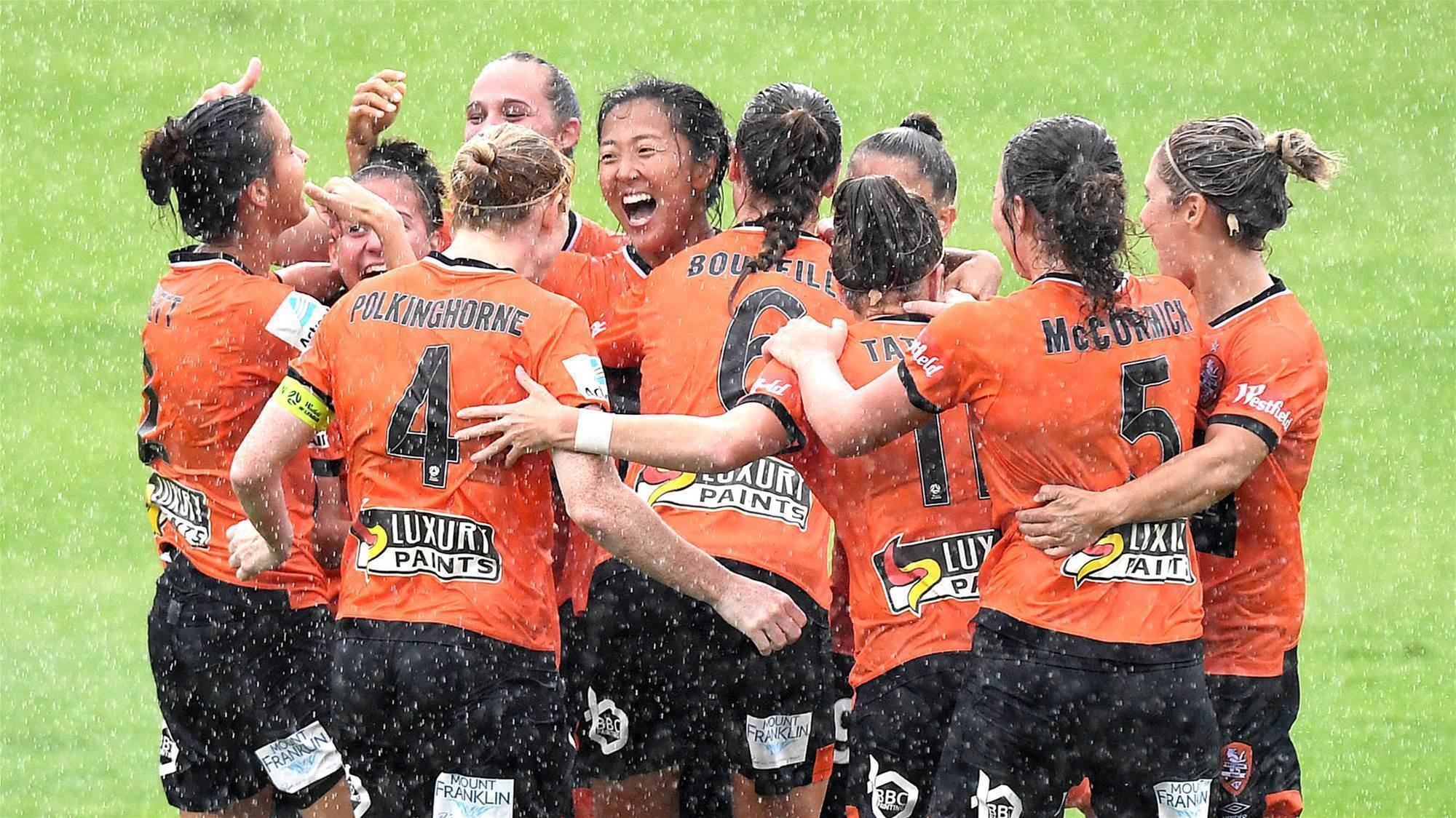 Wet and windy match ends Victory's streak
