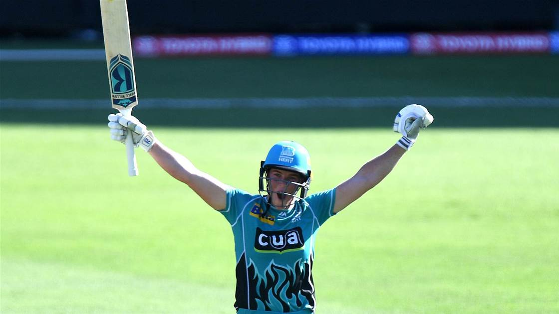 Watch Harris hit the fastest WBBL century