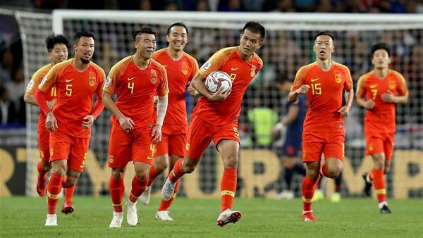 China fight back to deny Thailand