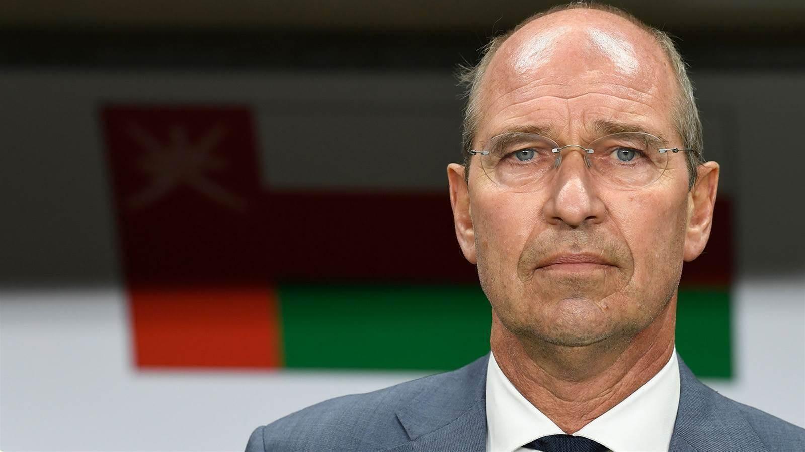 Ex-Socceroo coach quits