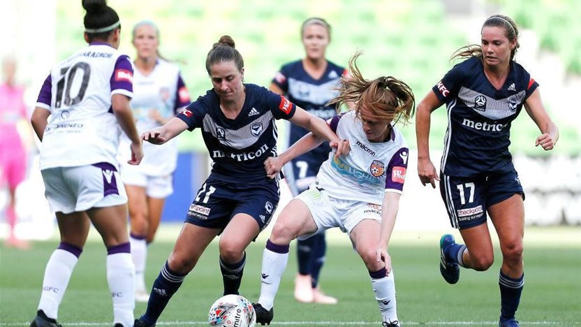11 years between Matildas caps too long for W-League's 'Pirlo, Xavi, Iniesta'