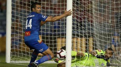 Topor Stanley: I should've had a penalty!