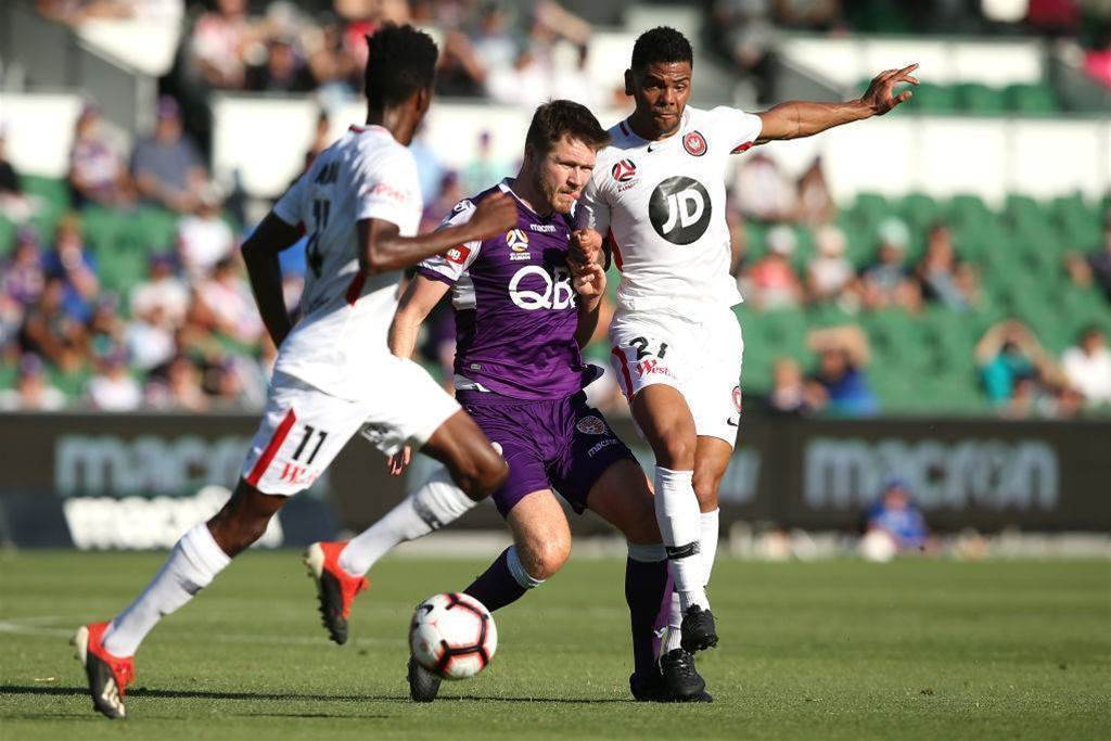 'Blight on the A-League': Fans erupt at refs during stunning Perth comeback