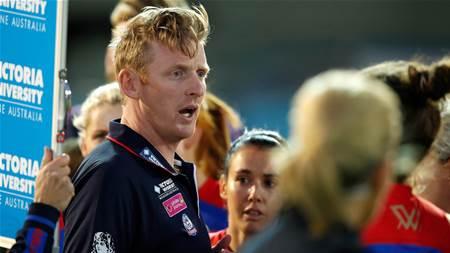 Groves leaves Bulldogs