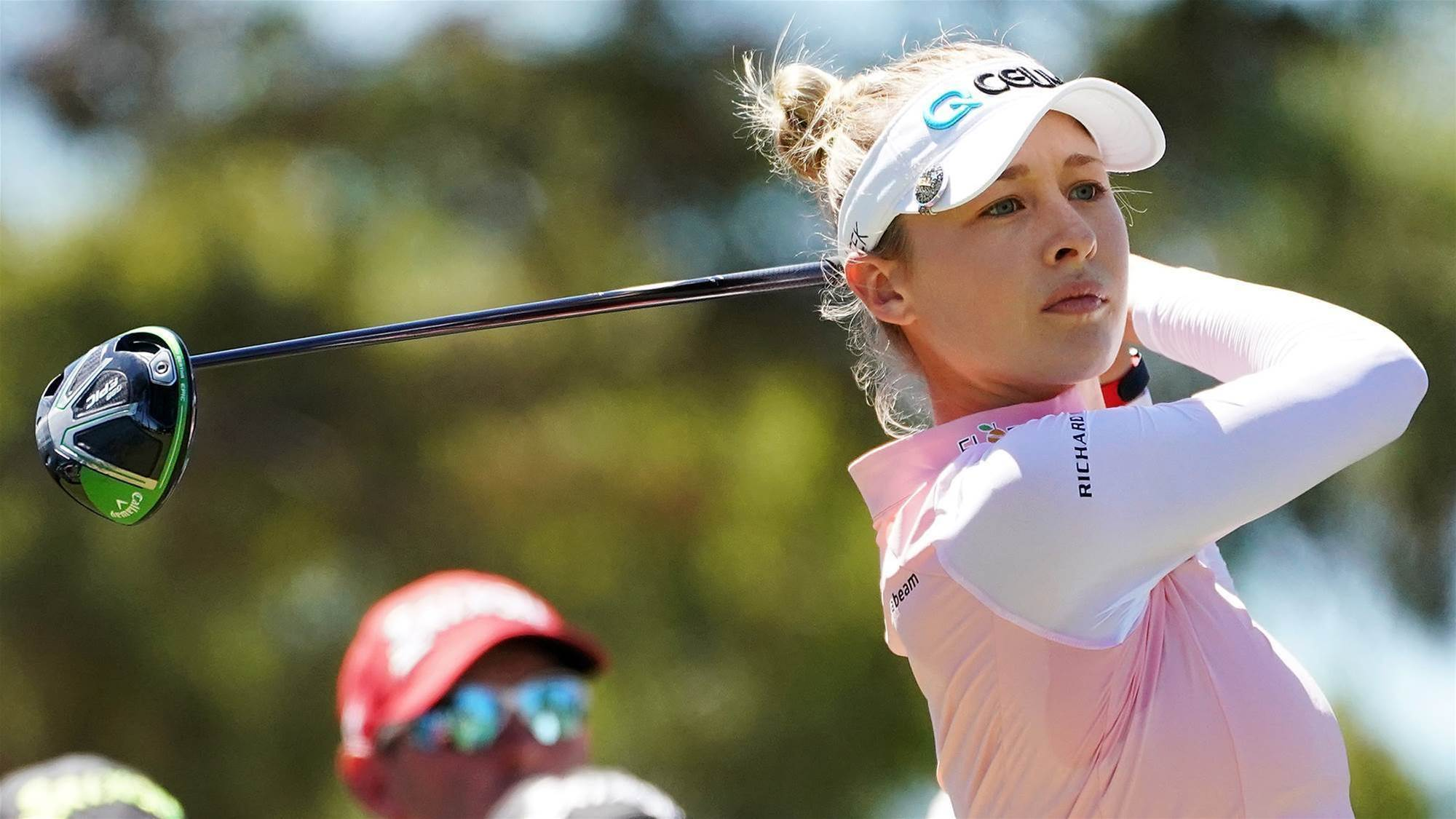 Women's Open: Nelly Korda makes her move