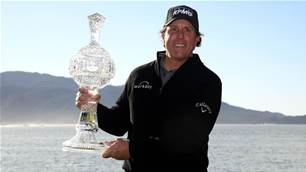 Mickelson wraps up fifth Pebble Beach victory