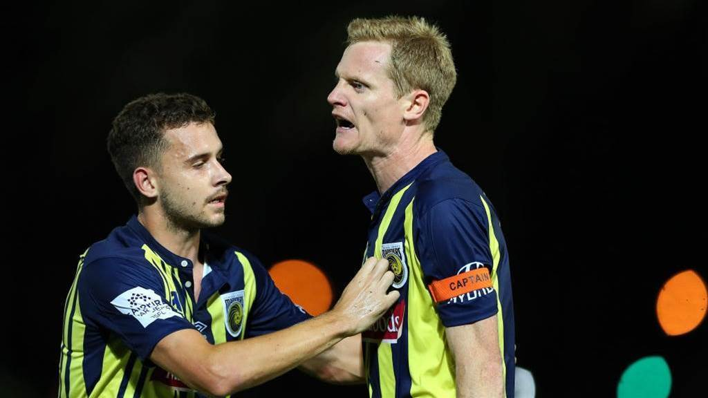 Bashful Simon admits he 'let the Mariners down'