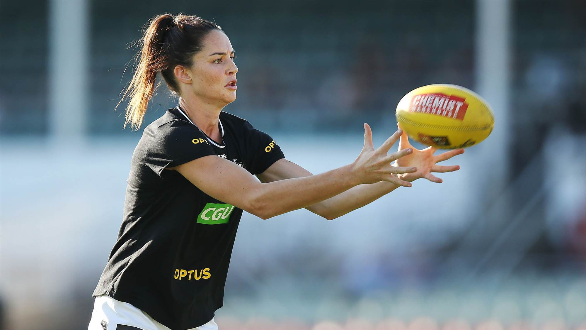 Layton calls on AFL to take action against trolls