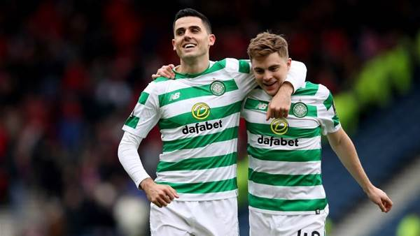 Celtic squad pay tribute to Rogic's 'place in Celtic history'