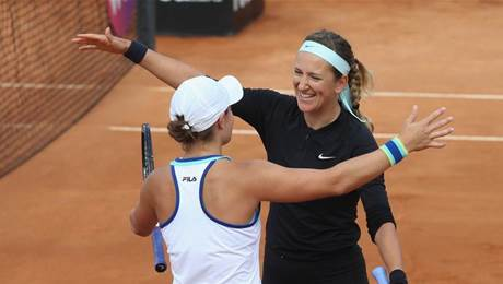 Barty cruises to win over Aussie opponents