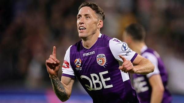Ex-Glory defender joins Roar influx