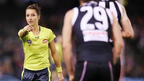 The time for female footy umpires is nigh