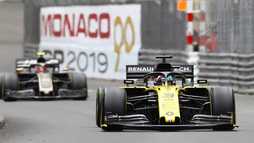 Renault blunder costs Ricciardo 'a great result'