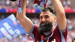 'Pay him anything he wants': Palace fans 'gutted' after Jedinak poached by Villa