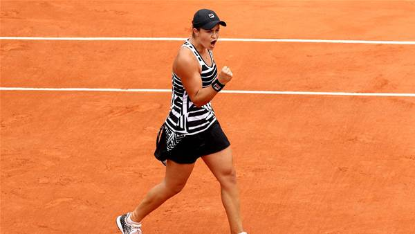 Barty closes in on top five
