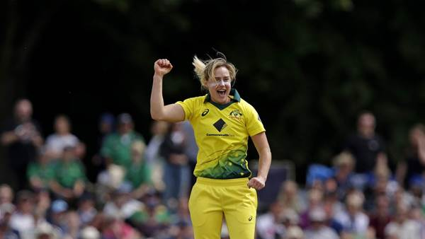 Perry breaks record as Australia smash England