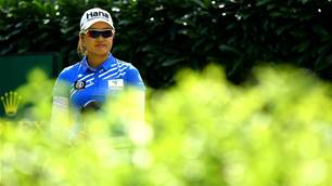 Lee and Green lead Aussie charge at Woburn