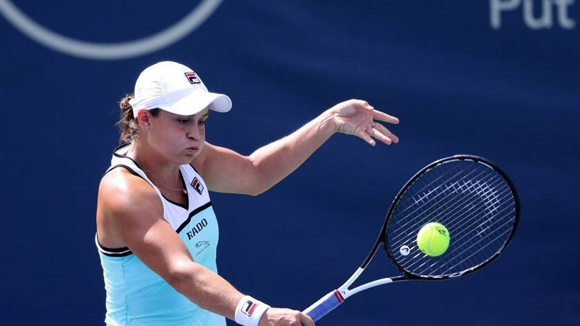 Twist in Barty's journey to retain world number one