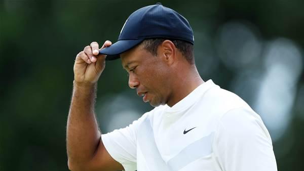 Woods has knee op, targets October return