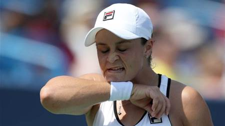 Aussies dropping like flies but Barty survives