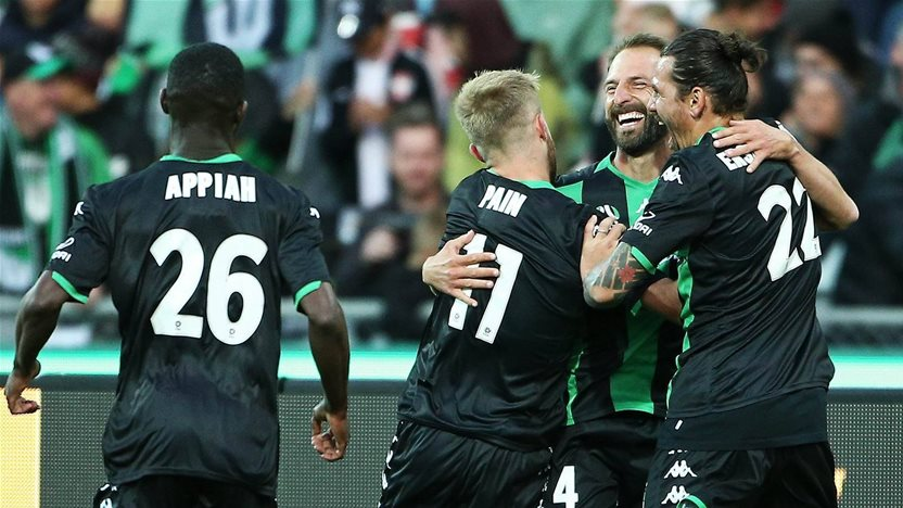 United hand Wanderers first A-League loss
