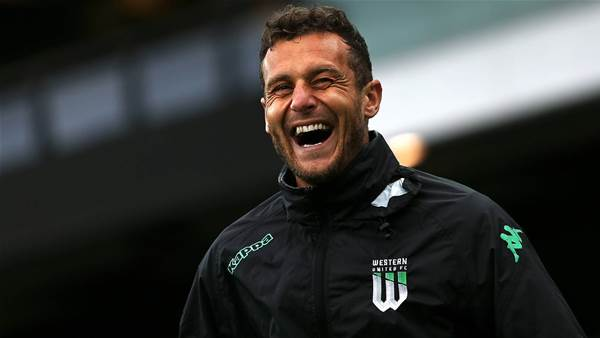 United's Diamanti wins Johnny Warren Medal