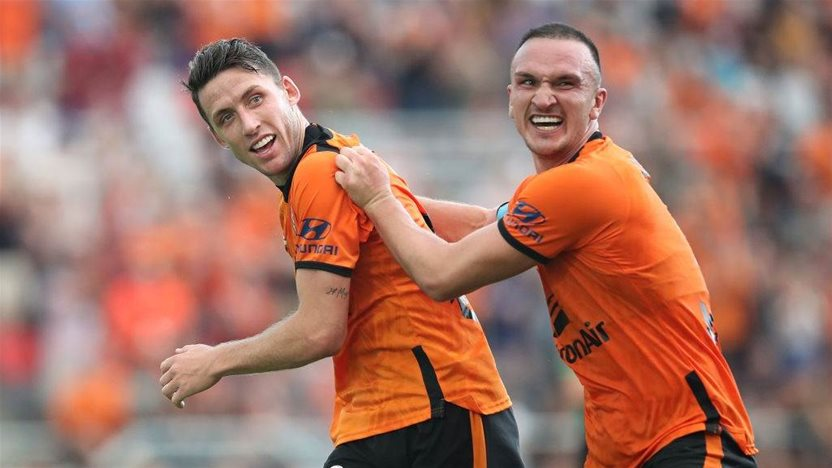 As coronavirus halts world sport, A-League 'privileged to have a game'