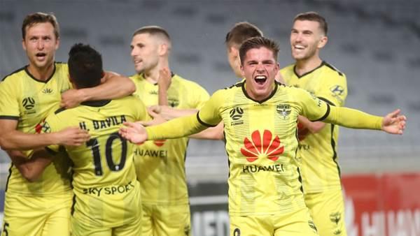 Seven A-League players leave Wellington Phoenix