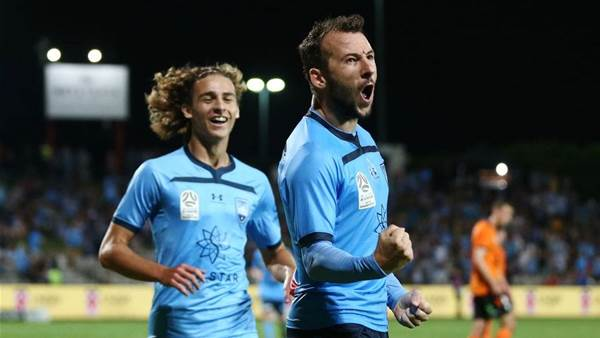 Sydney FC hunting new striker, youngsters remain backup