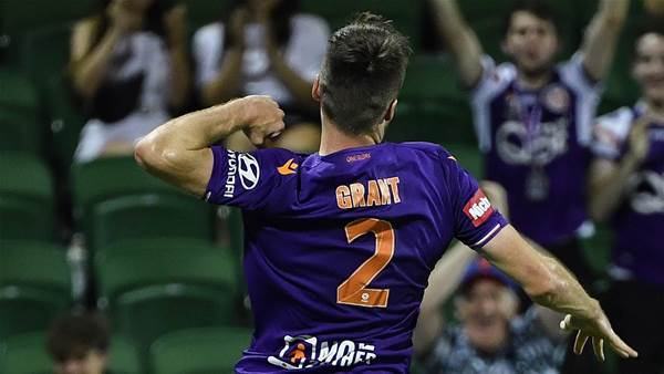 Defenders spark Glory's win over Wanderers