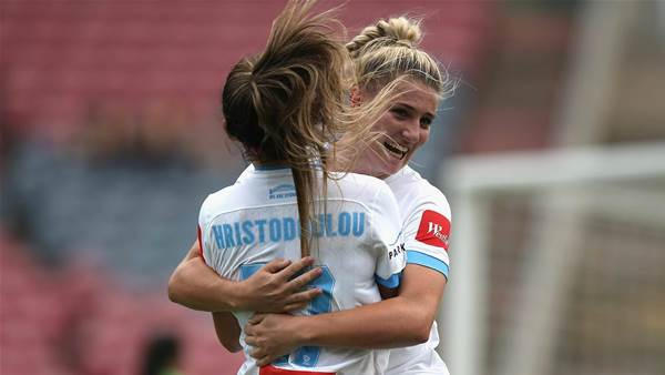 Siemsen nets double as champs bounce back