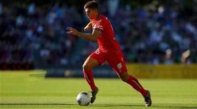 Adelaide Utd midfielder cops knee injury