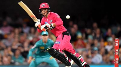 Sydney Sixers win at Gabba to Keep Pressure on