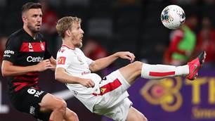 Halloran inks new Reds deal