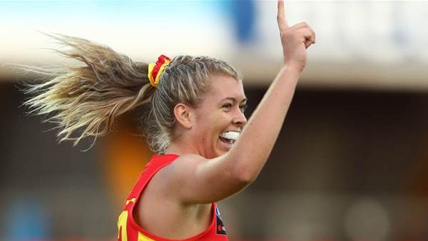 'So many good kickers': AFLW Social Wrap Round 3