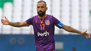 'He's a warrior' - Glory could 'pull the reins' on Castro