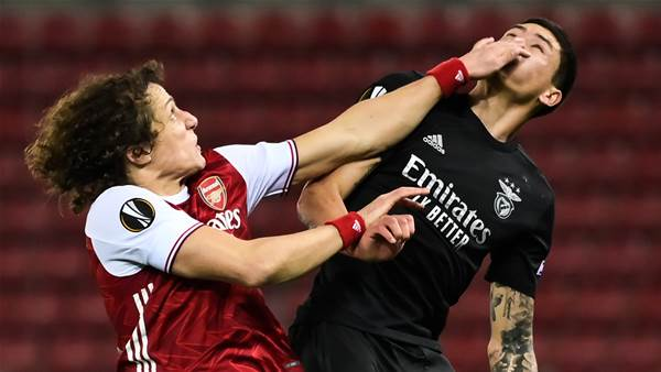 Arsenal, United advance but Leicester out